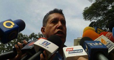 Falcón respalda acuerdo entre bloques políticos para generar un diálogo amplio