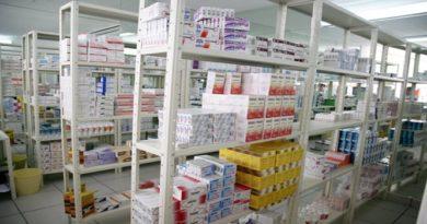 Ceballos denuncia eliminación del registro sanitario