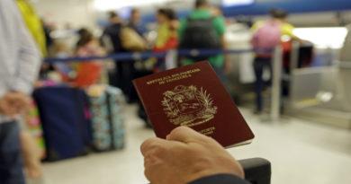 """Los exorbitantes precios de pasaportes y prórrogas """"asustan"""" a los venezolanos"""