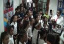 Aguinaldos y gaitas deleitaron al personal del Ejecutivo regional