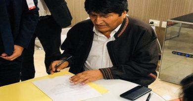 Evo Morales llegó a Argentina y se quedará como refugiado político