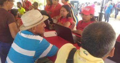 Con éxito inició jornada de carnetización del PSUV en los 25 municipios del estado Falcón
