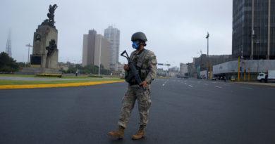 Perú extiende el estado de emergencia sanitaria durante todo diciembre para contener al coronavirus