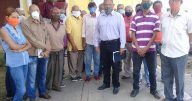 Jubilados de PDVSA exigen mejoras salariales y en el sistema de salud