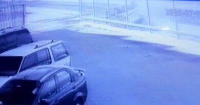 Cámara de seguridad captó el aparatoso vuelco en la Av, Jacinto Lara de Punto Fijo (VIDEO)