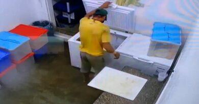 Punto Fijo: Irrumpió en restaurante del Náutico, cargó con el licor y quedó grabado en video (+VIDEO)