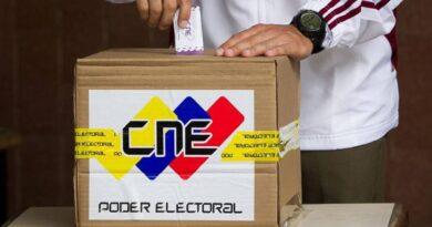 """Maduro: """"La FANB va a proteger al votante desde la puerta de su casa hasta el centro de votación"""""""