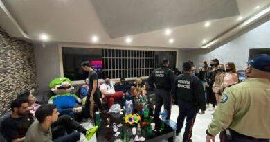 Detuvieron a 22 jóvenes por hacer fiesta en una residencia de Altamira