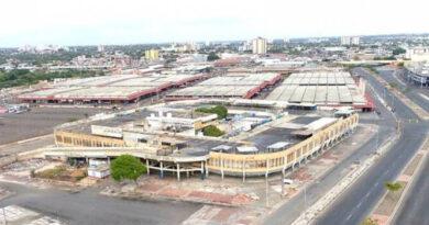Gobernador del Zulia anuncia reestructuración del Mercado Las Pulgas