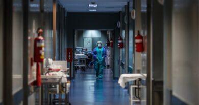 OMS eleva a más de 700 mil las muertes por covid-19 en el mundo