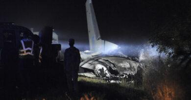 El único superviviente del avión militar siniestrado en Ucrania salvó la vida saltando al vacío justo antes del accidente