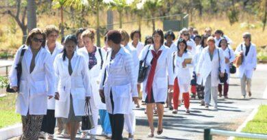376 médicos cubanos llegaron a Venezuela para combatir el coronavirus