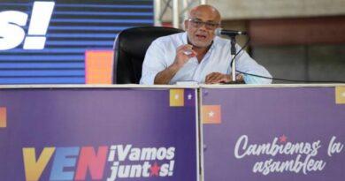 Rodríguez invitó a la Unión Europea y a la ONU a que «aprecien la democracia venezolana»