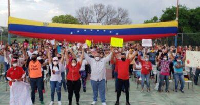 Comando de campaña Darío Vivas celebró 34 aniversario de Los Perozos con agitación electoral