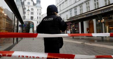 «Maté a mis pequeños»: Asfixió a sus tres hijos y llamó a la Policía para confesar el crimen