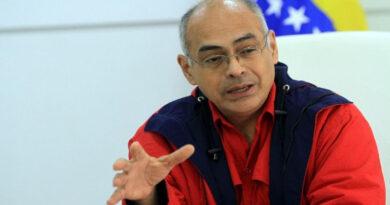Ministro de Salud Carlos Alvarado dio positivo por covid-19