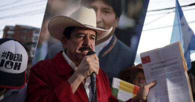Manuel Zelaya visita Venezuela para recibir vacuna contra covid-19
