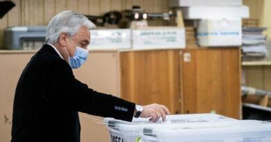 Piñera niega que su gobierno sea «el gabinete del rechazo» después de votar en plebiscito