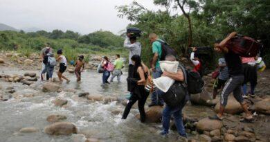 Cierre de frontera entre Colombia y Venezuela incrementa el poder de las bandas que operan en las trochas
