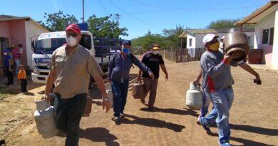 Gobierno regional atendió de a punta al municipio Urumaco con la distribución del gas doméstico