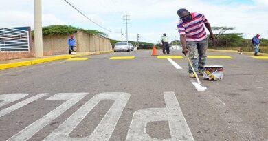 Alcaldía desinfectó la avenida Tumaruse de Punto Fijo
