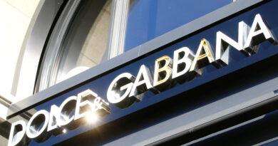 Dolce & Gabbana demanda por difamación a dos blogueros estadounidenses y reclama más de 600 millones de dólares