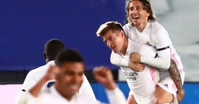 El Real Madrid se lleva el clásico tras vencer 2-1 al F.C. Barcelona
