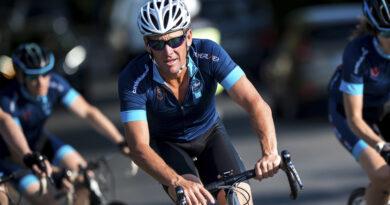 Acusan a Lance Armstrong de usar un motor en su bicicleta