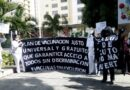 Trabajadores de la salud protestan para exigir que entren las vacunas