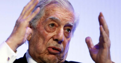 """Mario Vargas Llosa llamó a votar por Fujimori: """"Representa el mal menor"""""""