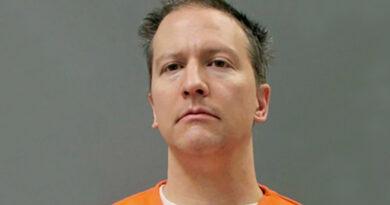 Publican foto de Derek Chauvin como preso tras ser declarado culpable de la muerte de George Floyd