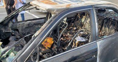 Se aplicó desinfectante mientras fumaba un cigarrillo y desató un incendio que destruyó su auto