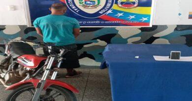 PNB apresa a un motorizado con droga en Coro