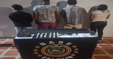 Cae cuarteto con drogas y una pistola en Pueblo Nuevo de Paraguaná