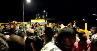 Crecida del río Táchira impide el retorno a Venezuela por las trochas (VIDEO)