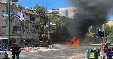 El ala militar de Hamás afirma haber lanzado decenas de cohetes hacia Tel Aviv