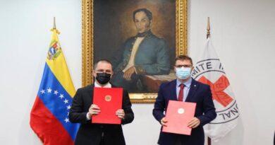 Cancillería y CICR firman acuerdo para reunificar niños en el exterior con familiares