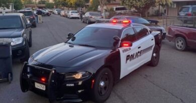 Una mujer permite a un jefe de Policía violar a su hijastra de 17 años por 50 dólares