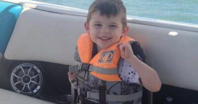 Hallan muerto dentro de su baúl de juguetes a niño de 4 años reportado desaparecido en EEUU