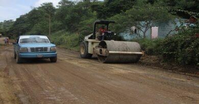 Más de 1.000 toneladas de asfalto se han colocado en la Coro-Churuguara
