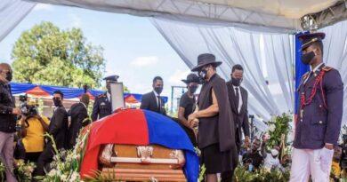 Exprimera dama de Haití acudió al funeral del presidente asesinado