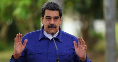 Maduro evalúa flexibilizar los dos últimos meses del año