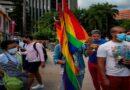Activistas protestan por discriminación a homosexuales en pizzería de Caracas