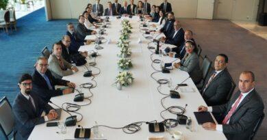 Delegación del Gobierno venezolano rechazó grave violación a los acuerdos firmados en México